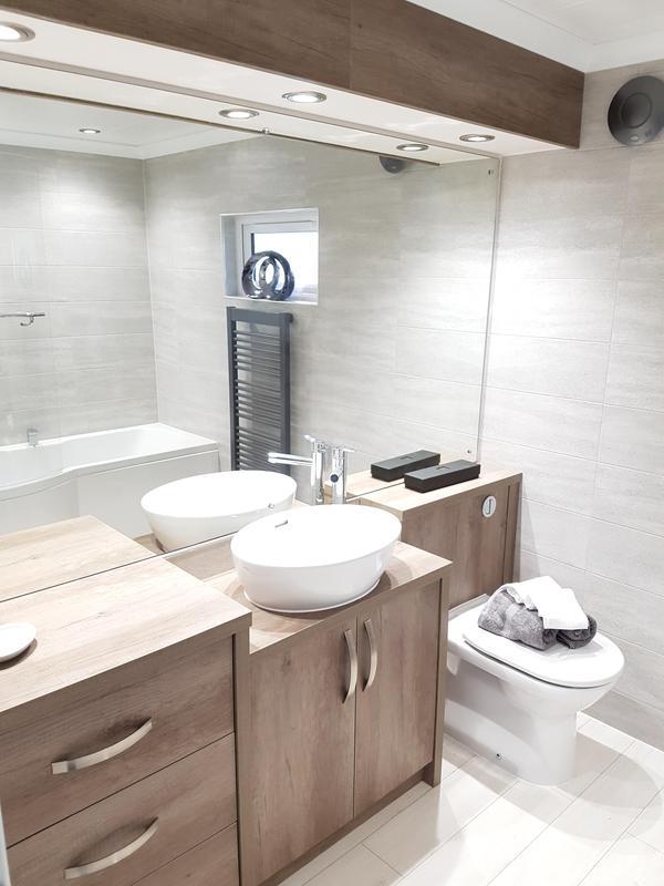Image 29 - Bathroom furniture