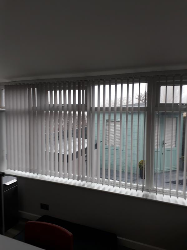Image 13 - vertical blinds in a conservatory