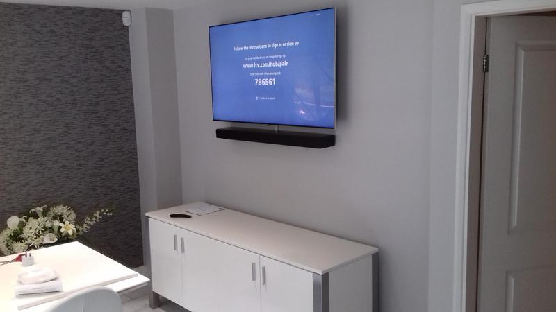 Image 8 - TV with soundbar