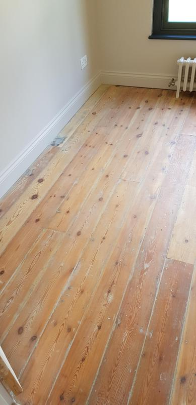 Image 25 - Sanded floor and decoration