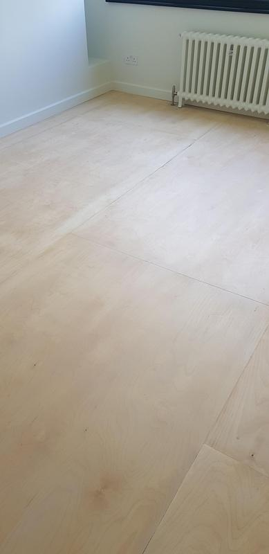 Image 27 - Sanded flooring and decoration