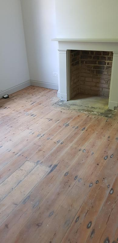 Image 43 - Sanded floor and decoration