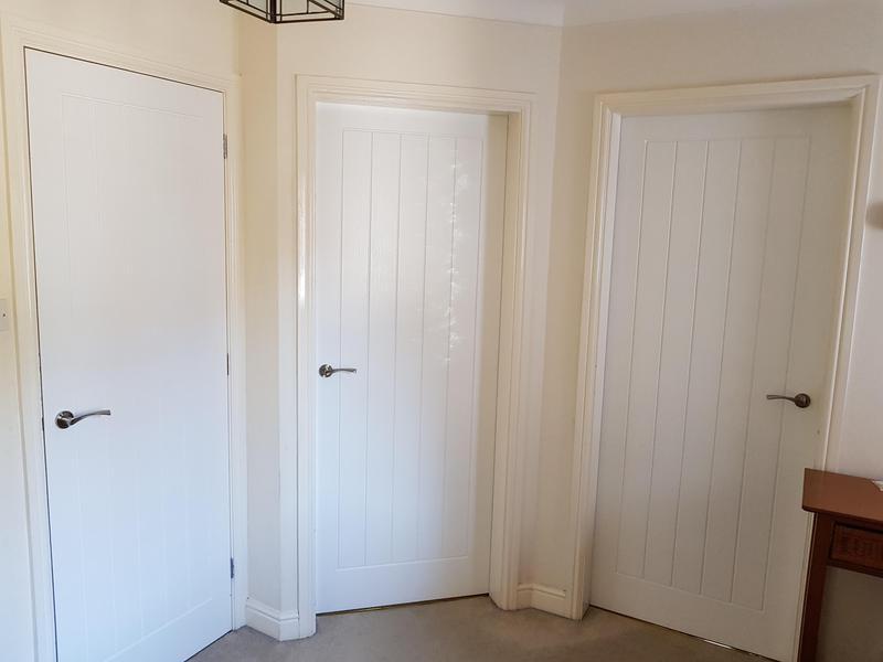 Image 16 - Hang doors