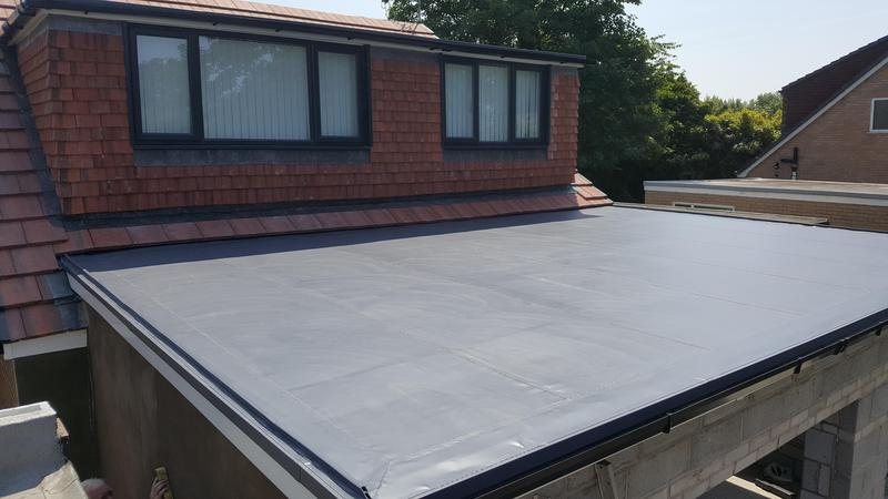 Image 29 - Membrane roof with dormer