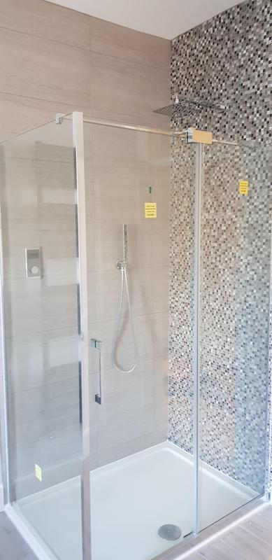 Image 53 - New shower room and tiling