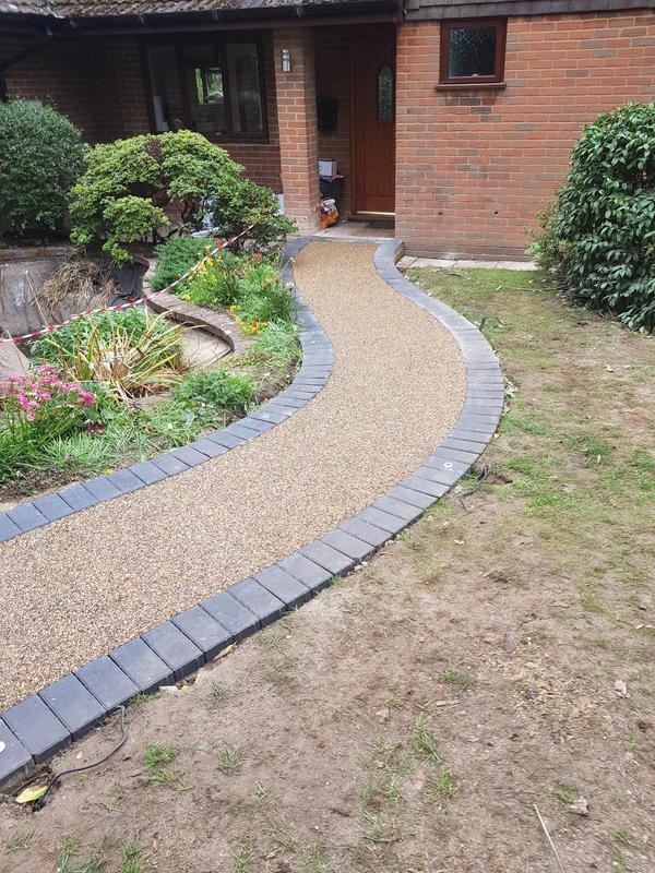 Image 8 - New resin footpath with brick edges bourgh green