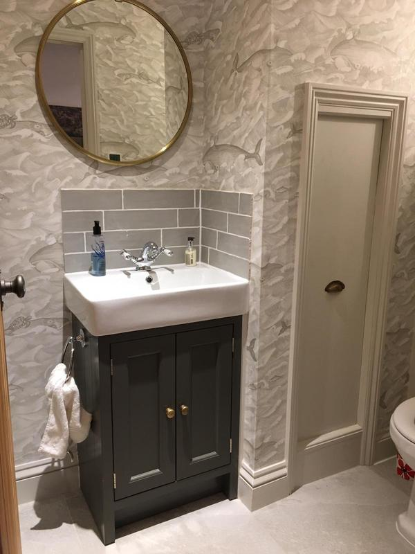 Image 20 - BATHROOM AND WC-WALLPAPERED AND PAINTED