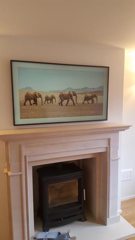 Image 4 - Fantastic picture frame TV