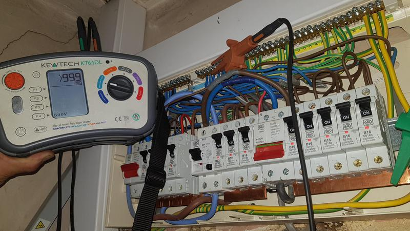 Image 22 - Some recent fault finding on an electric storage heater wiring system