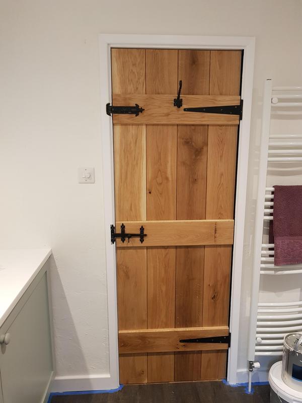 Image 62 - Oak ledges door in a cottage