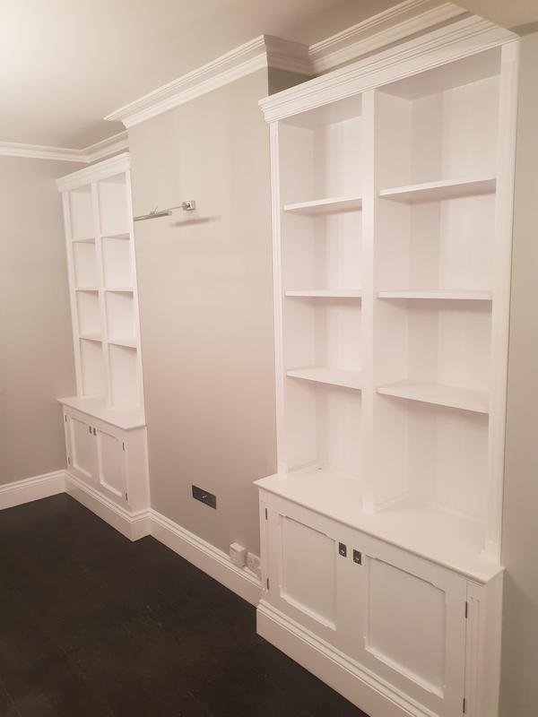 Image 36 - Cupboards painted in white eggshell (Clapham)