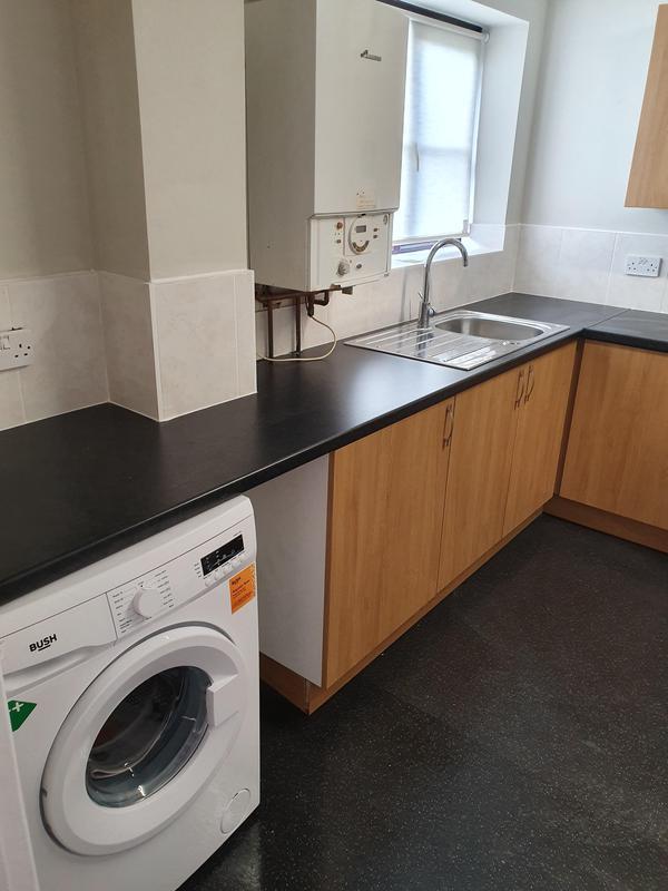 Image 24 - Kitchen install