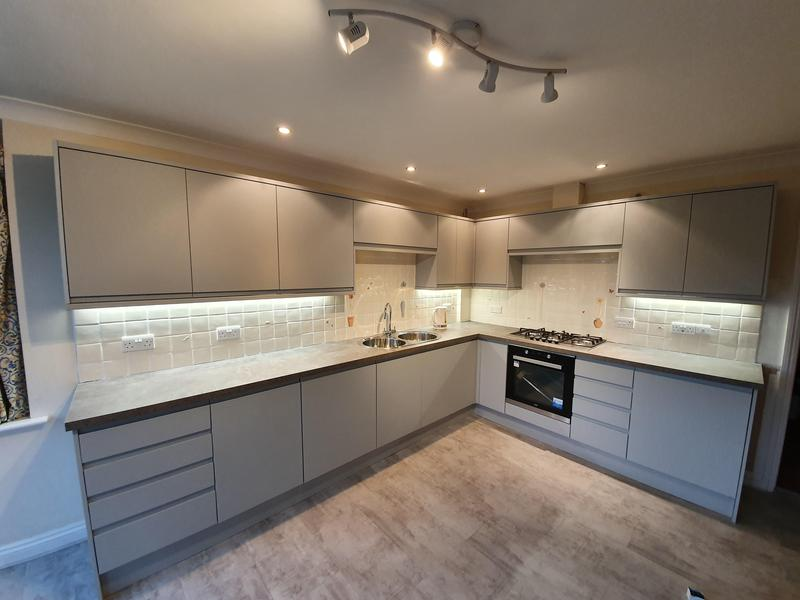 Image 5 - Howdens Fitted Kitchen Sudbury
