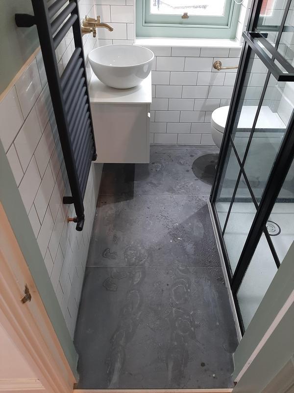 Image 29 - Bathroom in Brixton after