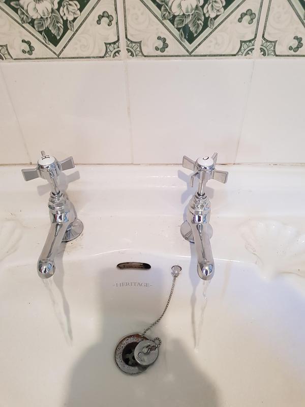 Image 54 - New wash basin taps