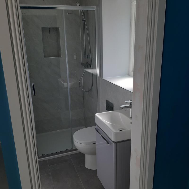 Image 7 - Bathrooms/ensuites