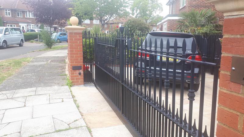 Image 506 - Automated Driveway gates