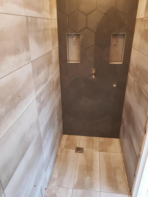 Image 4 - Hexagonal, shower tray made