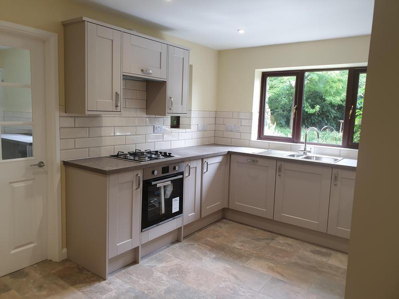 Image 41 - Kitchen Fitting