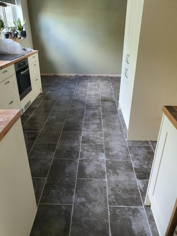 Image 27 - Floor tiling