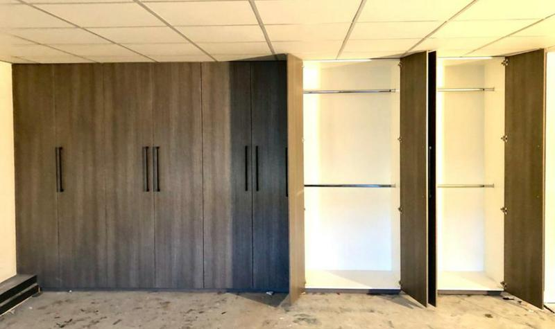 Image 3 - 5.5 meter Storage unit for an office.