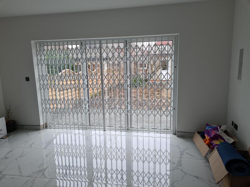Image 4 - High security concertina gates.