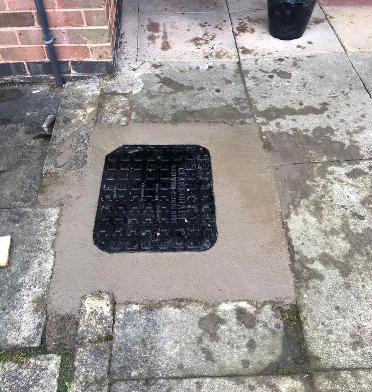 Image 8 - Manhole cover installation: 4
