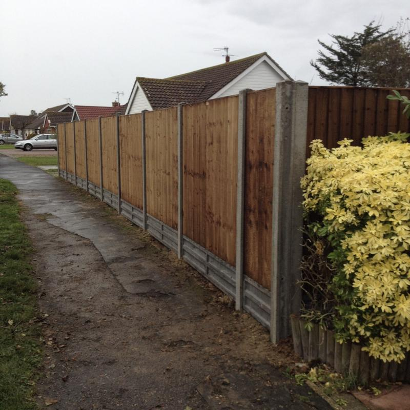 Image 17 - Close board panels on concrete posts and concrete gravel boards