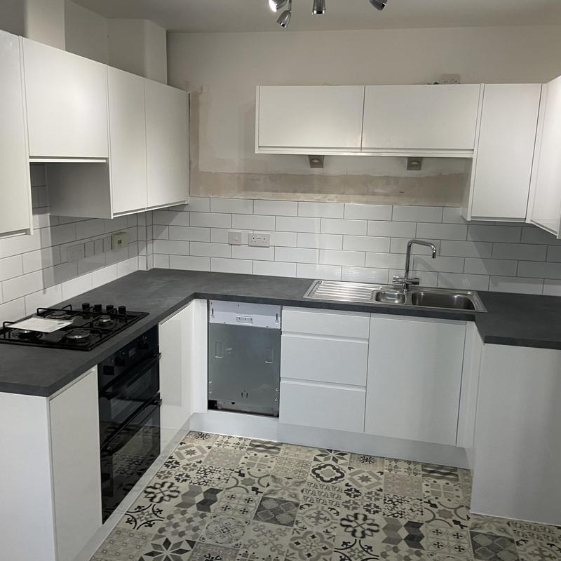 Image 30 - Lovely Homebase kitchen in New Braiswick Park, Colchester