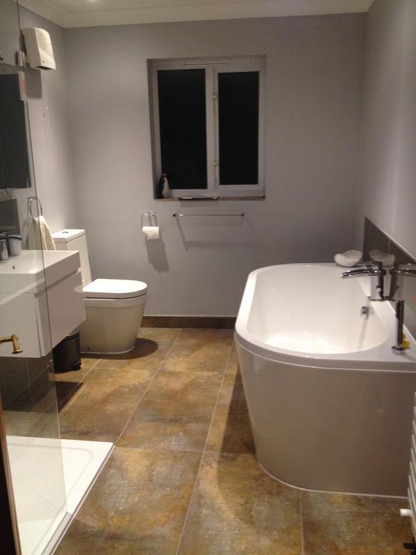 Image 39 - Full bathroom installation