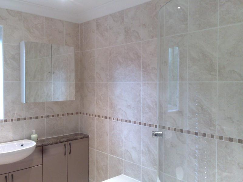 Image 30 - Ceramic Bathroom Wall Tiles