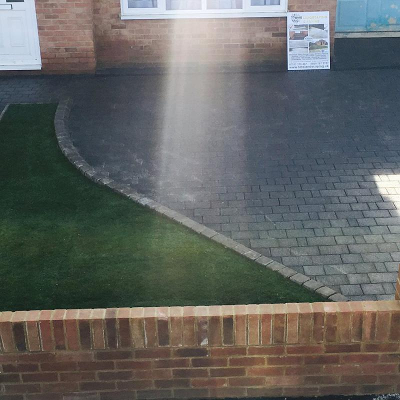 Image 12 - Marshalls Drivesett Argent in Graphite with Tegula Kerb in Pennant Grey and Brick wall with end columns