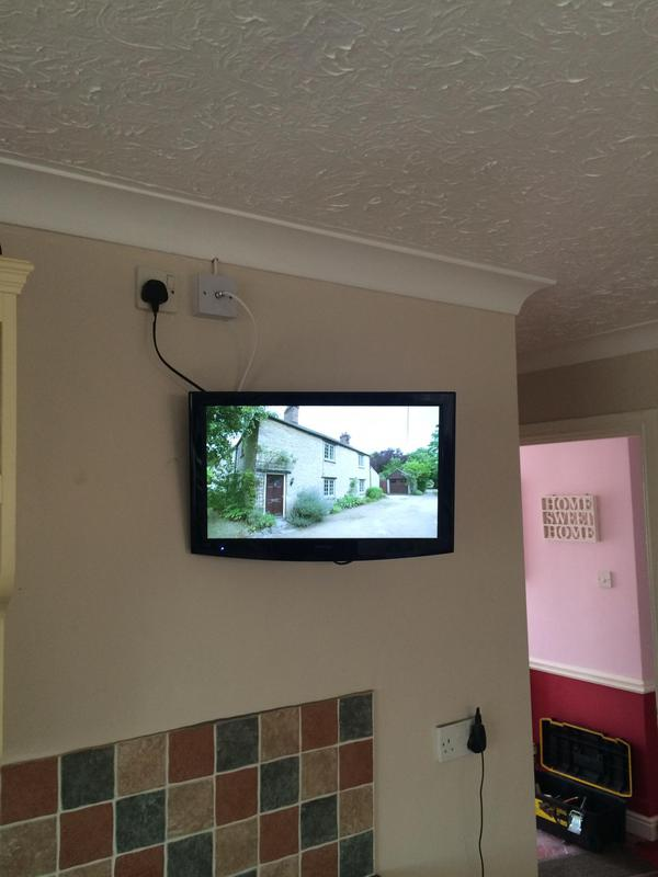Image 33 - lcd & led tv wall mounting installation services
