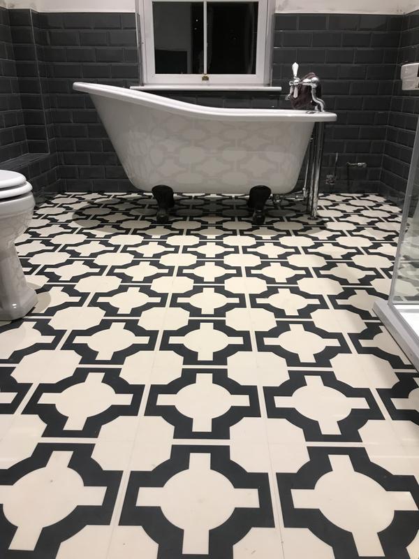 Image 20 - Free standing bath on karndean floor