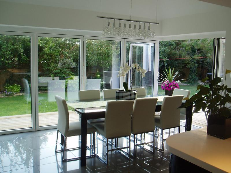 Image 3 - Dining area to summer room