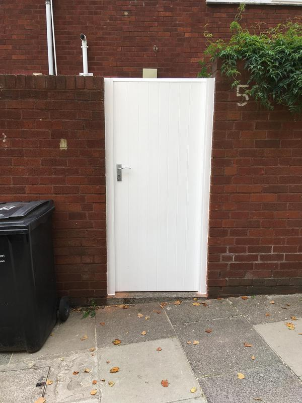 Image 13 - Back door gate