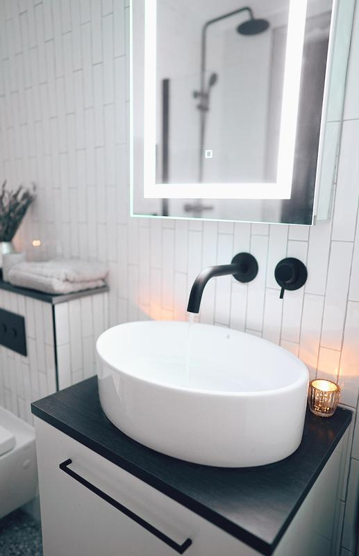 Image 7 - Over 1000 tiles in this black and white bathroom. St Johns Wood, NW8