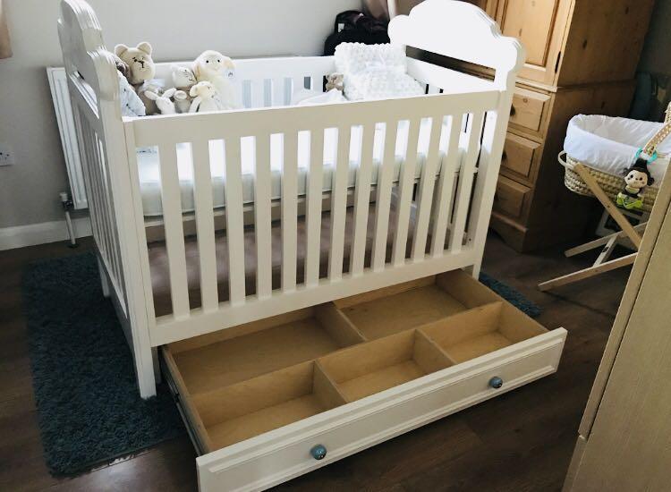 Image 15 - Bespoke hand made baby cot