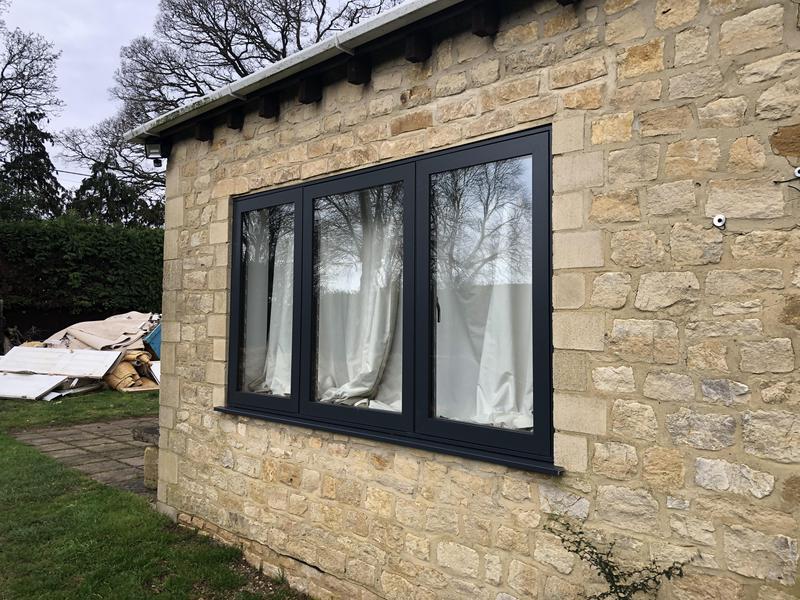 Image 25 - Aluminium window