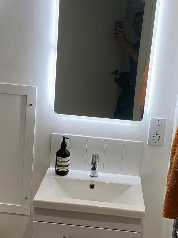 Image 34 - New vanity basin and mirror in Woolwich area.