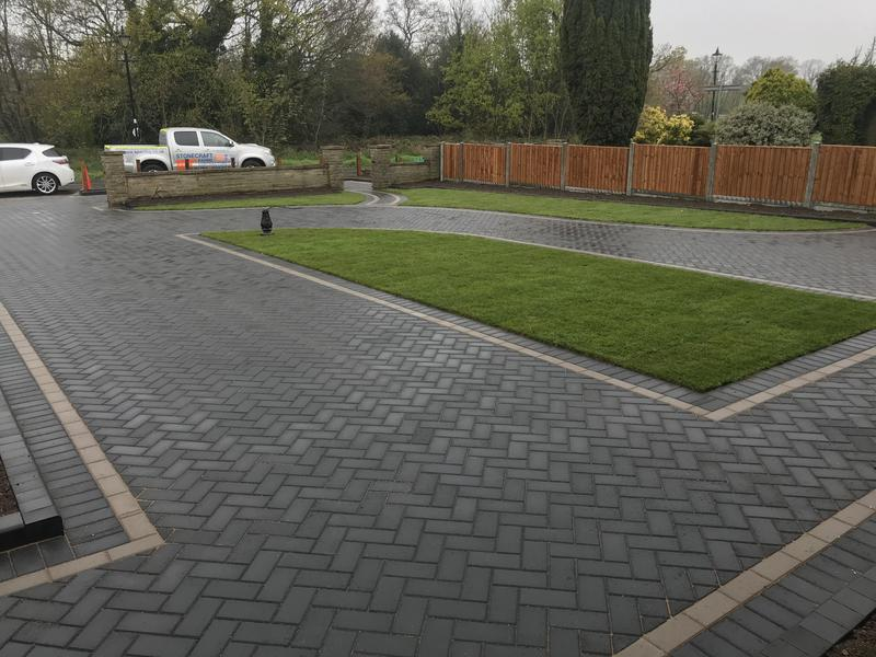 Image 21 - Front driveway in Wanstead