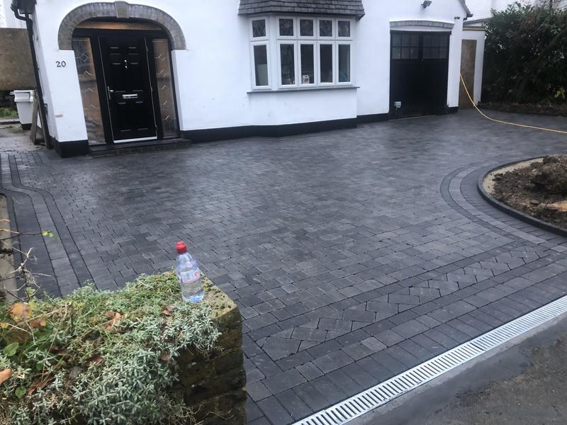 Image 22 - Free size Bradstone graphite paving