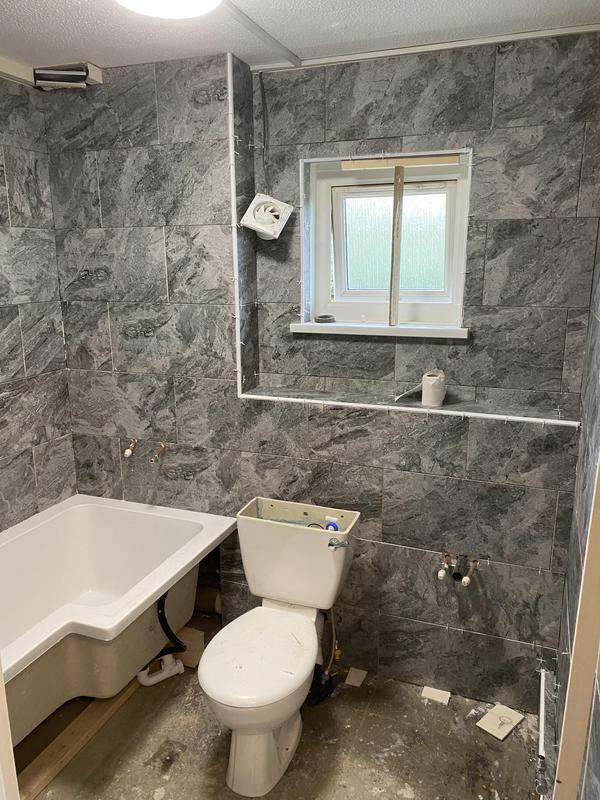 Image 5 - Bathroom studwork boxing & tiling