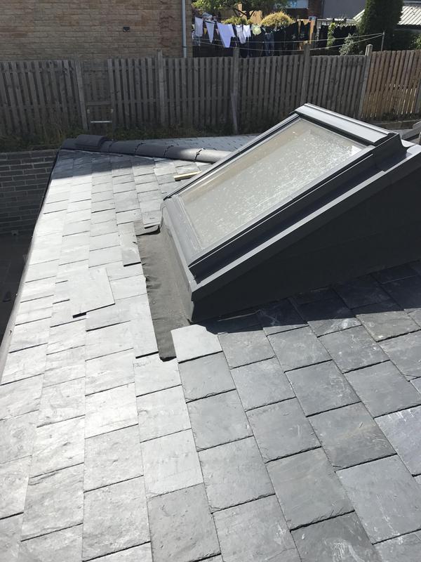 Image 31 - Roof window with slates