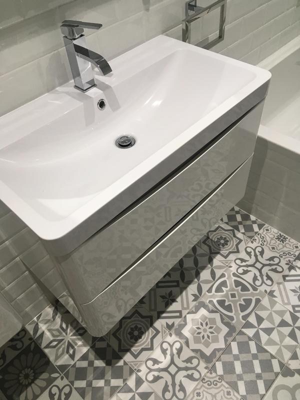 Image 42 - Brentford project - bathroom 1