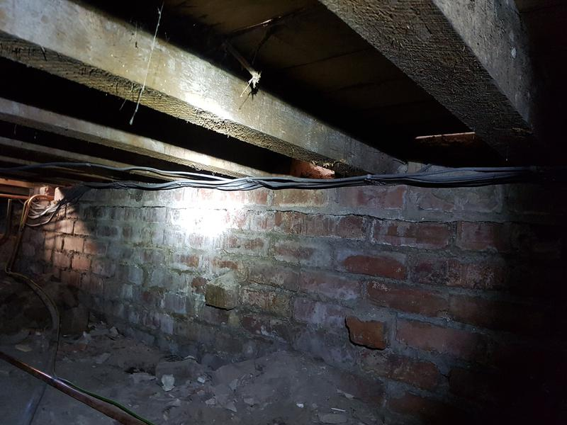 Image 30 - under floor cable management 2/3