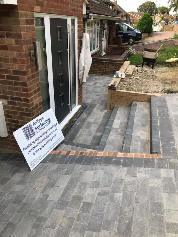 Image 3 - Block paved driveway including new steps formed using charcoal key kerbs