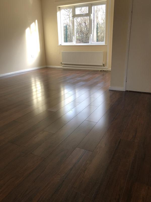 Image 11 - Wood laminate/ lounge