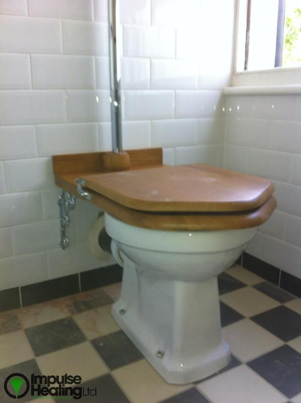 Image 16 - Edwardian Bathroom Suite