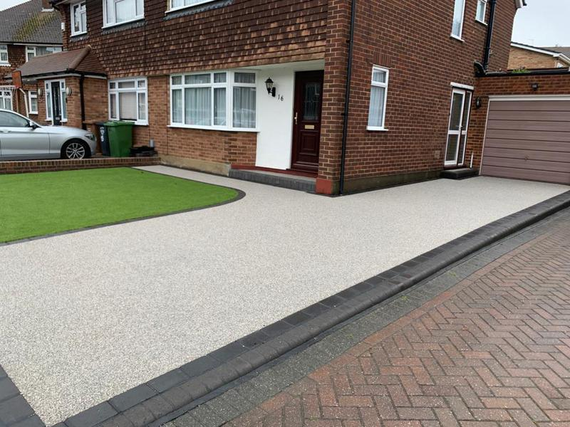 Image 7 - Resin driveway with raised boarder.
